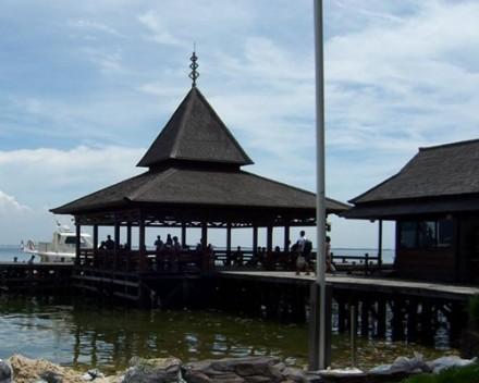 Dermaga Pulau Ayer Resort Kepulauan Seribu