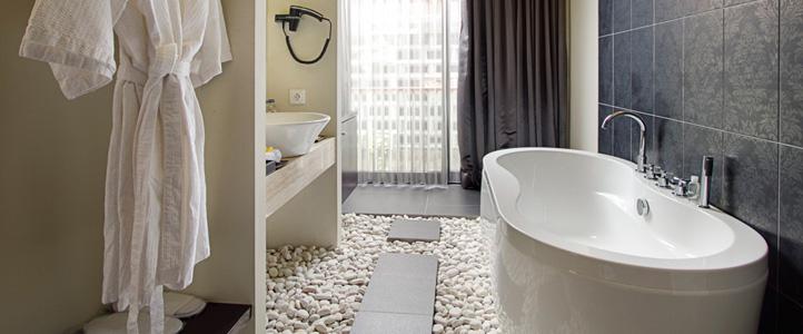 Bali 18 Suites Villas Honeymoon Package - Bathroom