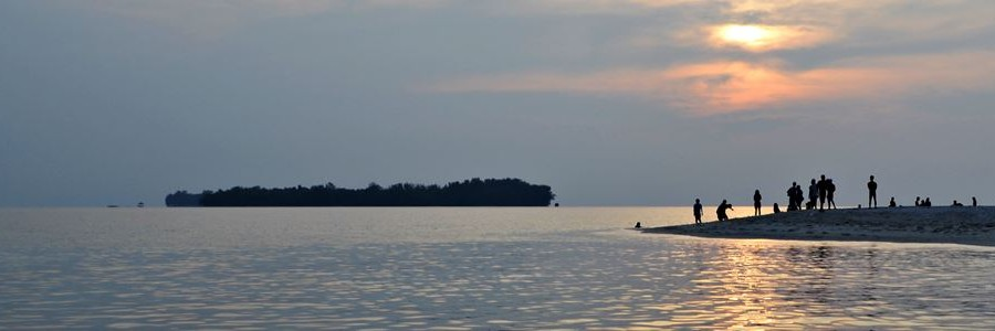 kepulauan seribu tour - romantic sunset island