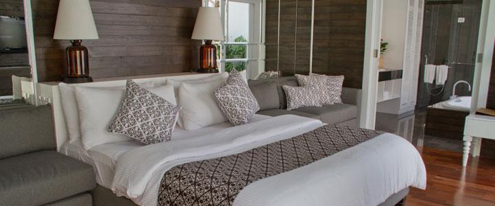 Bali Astana Batubelig Honeymoon - Bedroom Villa