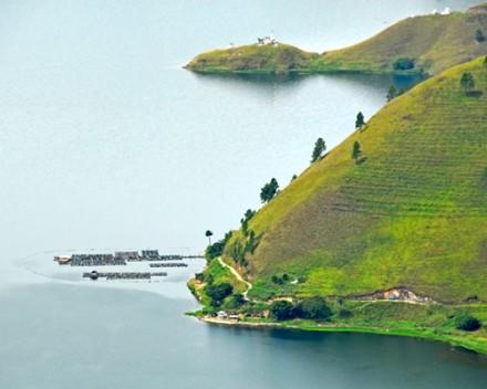 Danau Toba & Berastagi Tour - Danau Toba
