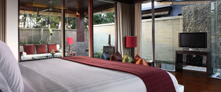 Bali Furama Xclusive Honeymoon - Villa Lagoon Bedroom