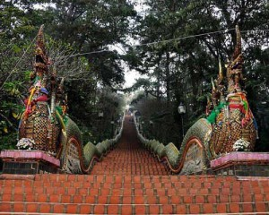 Leisure-Chiang-Mai-Tour-Doi-Suthep