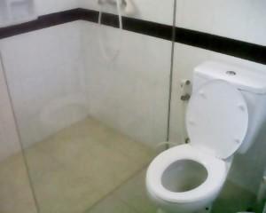 Pulau-Bintang-Tour-Toilet-Bungalow