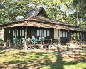Pulau-Bira-Tour-Bungalow-Pulau-Bira