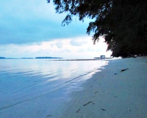 Pulau-Bira-Tour-Pantai-Pasir-Putih