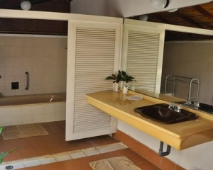 Pulau-Pantara-Marine-Resort-Bathroom