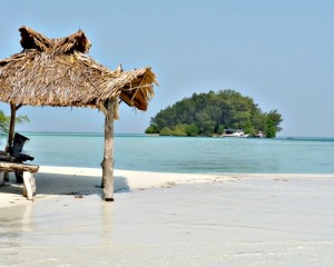 Pulau-Macan-Eco-Resort-Pulau-Surga