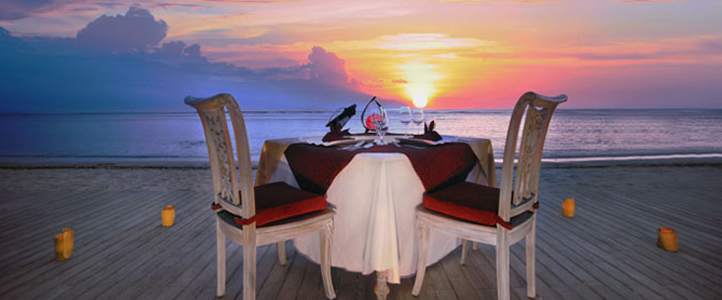 Aston Sunset Beach Resort - Romantic Dinner