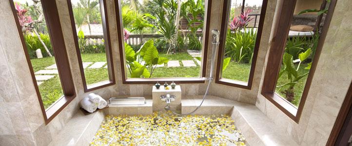 Bali Kamandalu Honeymoon Villa - Villa Batroom