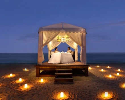 Bali Royal Santrian Honeymoon Villa - Romantic Dinner
