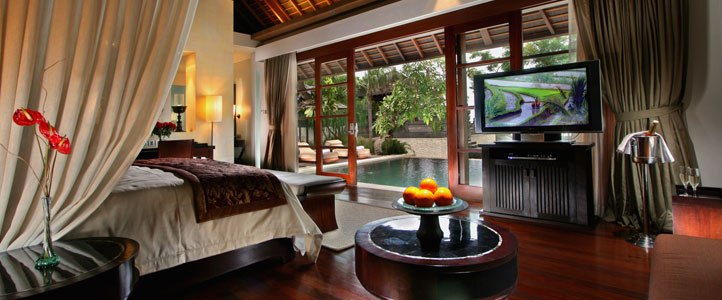 Bali Royal Santrian Honeymoon Villa - Royal Bedroom Pool Villa