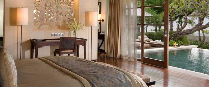 Bali Royal Santrian Honeymoon Villa - Royal Bedroom