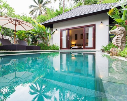 Lombok Kebun Villa Honeymoon - Villa with Private Pool