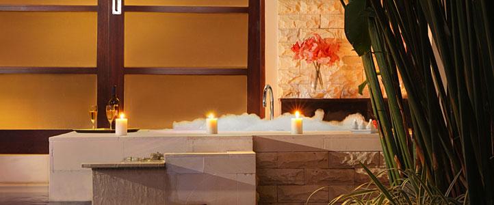 Bali De Daun Honeymoon Villa - Deluxe Pool Villa Bathtub