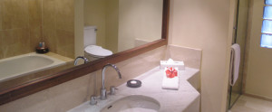 Lombok-Santosa-Honeymoon-Villa-Deluxe-Cottage-Bathroom