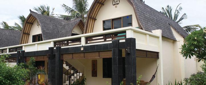 Lombok Villa Ombak - Traditional Lumbung Hut