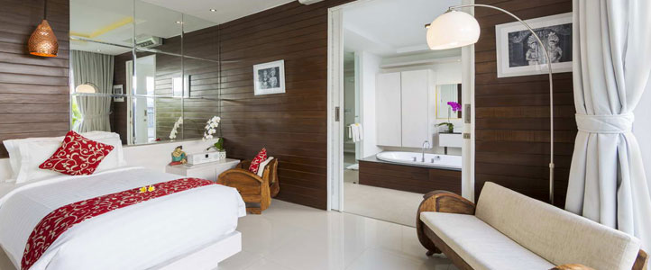 Bali Crown Astana Honeymoon Villa - Romantic Bedroom & Bathroom