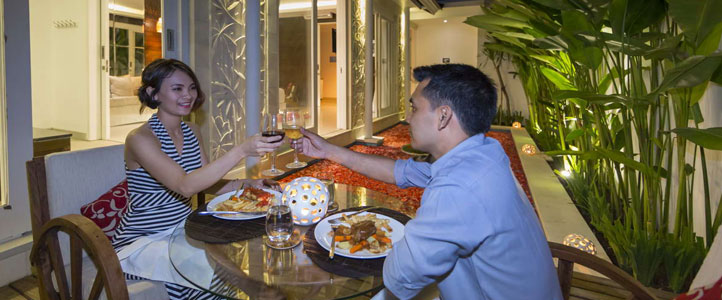 Bali Crown Astana Honeymoon Villa - Romantic Dinner