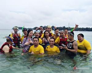 Company-Outing-Pulau-Seribu-One-Day-Tour-Snoekeling
