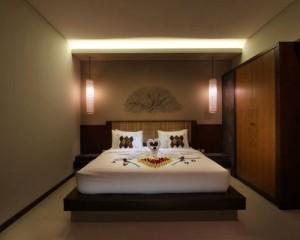 Bali-Maharaja-Seminyak-Villa-Honeymoon-Bedroom