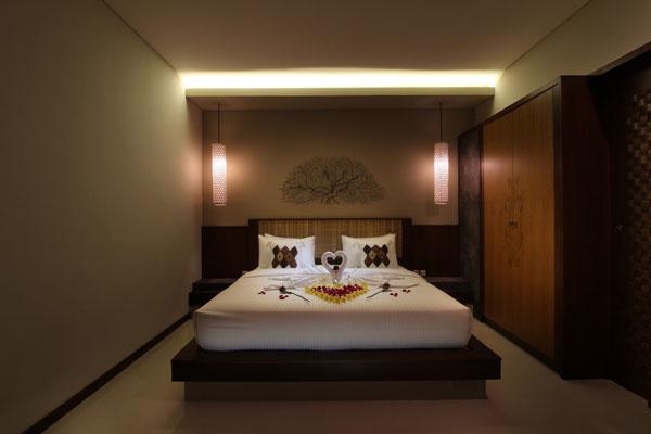 Bali Maharaja Seminyak Villa - Honeymoon Room Decoration