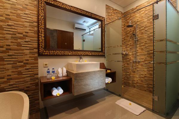 Bali Maharaja Seminyak Villa - Honeymoon Toilet