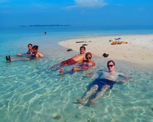 Pulau Pramuka Tour - Snorkeling Island Hopping