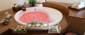 Bali Grand Akhyati Villas Honeymoon Package -  Bath Tub Flower