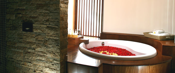 Bali Grand Akhyati Villas Honeymoon Package -  Bath Tub