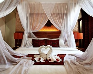 Bali-Grand-Akhyati-Villas-Honeymoon-Package-Romantic-Bedroom-Villa