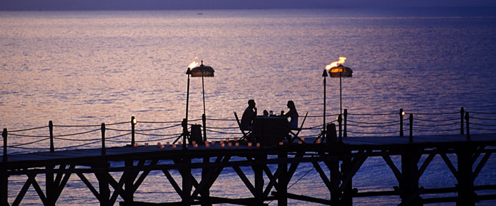 Bali Ayana Resort Honeymoon Package - Ayana Romantic Dinner