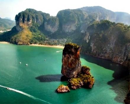 Phang-Nga-Bay-Phuket1