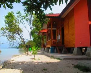 puri tidung tour - cottage pasir putih