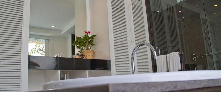 Bali Astana Batubelig Honeymoon - Bathroom