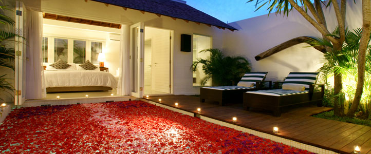 Bali Astana Kunti Honeymoon Villa - Romantic Dinner