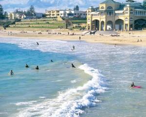 Australia-Perth-City-Tour-Pantai