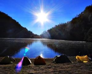 Trekking-Ranu-Kumbolo-Puncak-Mahameru-Tour-Danau-Ranu-Kumbolo