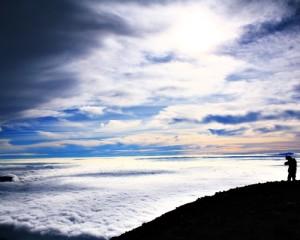 Trekking-Ranu-Kumbolo-Puncak-Mahameru-Tour-Negri-Di-Atas-Awan