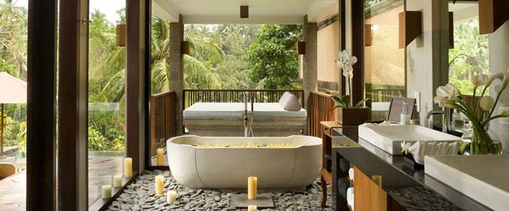 Bali Kamandalu Honeymoon Villa - Deluxe Pool Bathroom