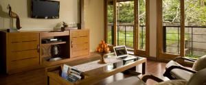 Bali Kamandalu Honeymoon Villa - Deluxe Pool Living Room