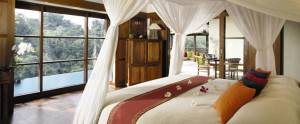 Bali-Hanging-Garden-Ubud-Honeymoon-Villa-Panoramic-Villa-Bedroom
