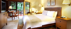 Lombok-Santosa-Honeymoon-Villa-Bedroom-Deluxe-Cottage