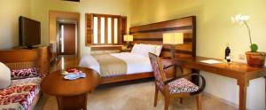 Lombok-Santosa-Honeymoon-Villa-Deluxe-Suite-Pool-Bedroom