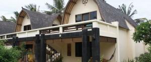 Lombok-Villa-Ombak-Traditional-Lumbung-Hut