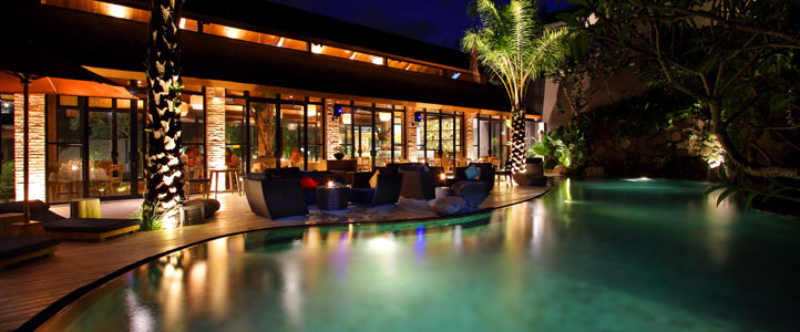 Bali Maca Seminyak Honeymoon Villa - Night Pool