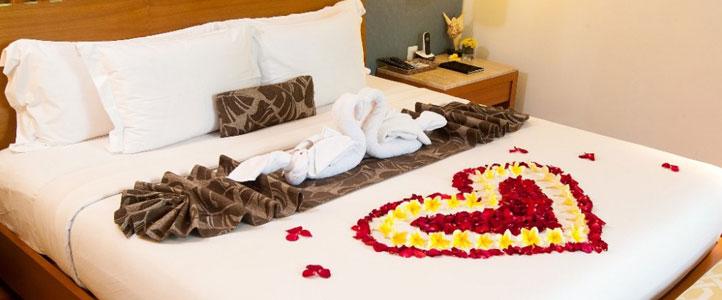 Bali Maca Seminyak Honeymoon Villa - Romantic Bedroom