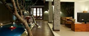 Bali-Wolas-Villa-Honeymoon-Pool-Romantic-Dinner