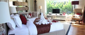 Bali-Berry-Amour-Honeymoon-Villa-Sweet-Bedroom