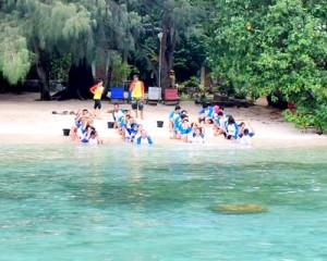 Company-Outing-Pulau-Seribu-One-Day-Tour-Fun-Outbound